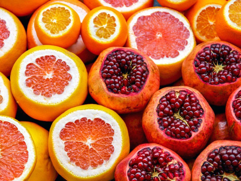 Illustratie: foto van fruit op de pagina over gezondheid van de website Leren van je lijf. De foto is gemaakt door Liam Matthews.